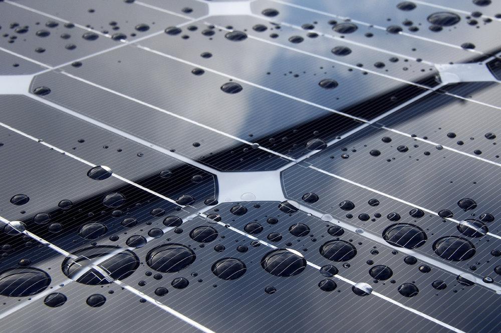Lluvia y paneles solares